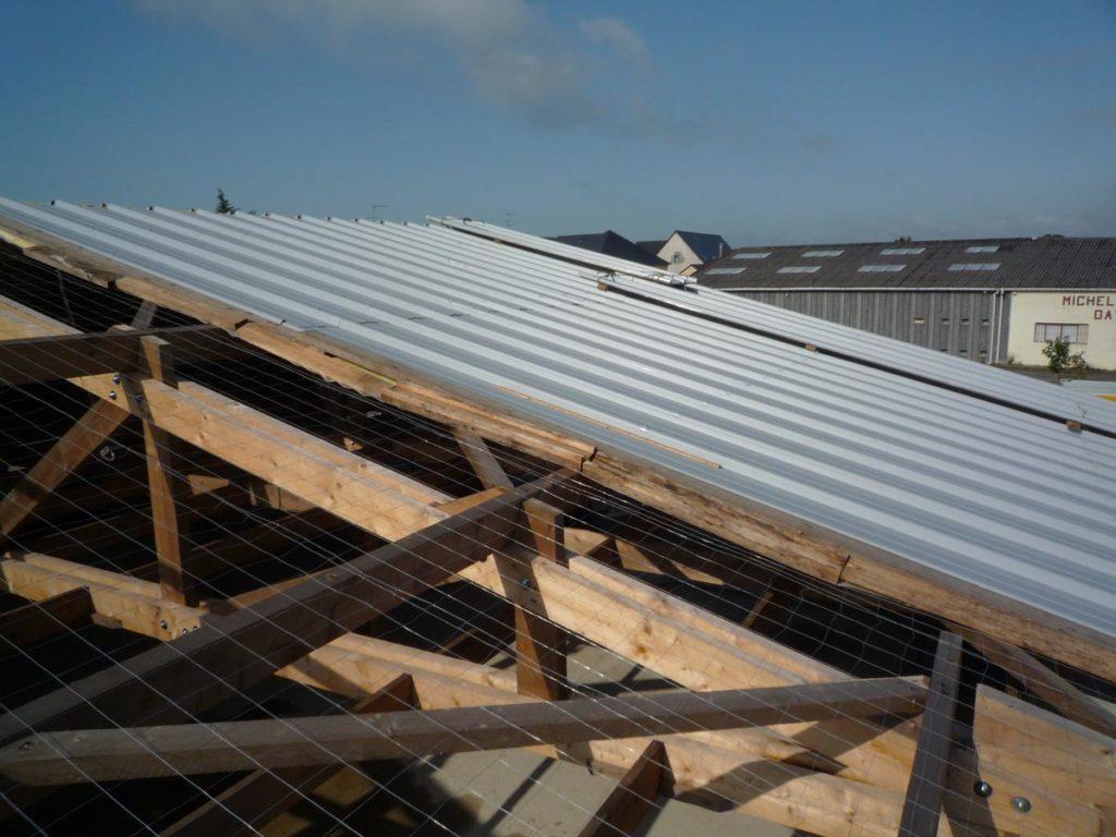 toiture chaude avec panneau isolation feutre tendu alu